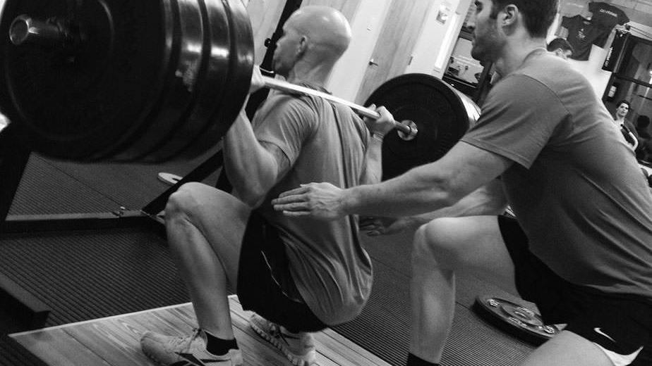 PERFECT SQUAT EXERCISES: BARBELL HACK SQUAT AND LUNGES